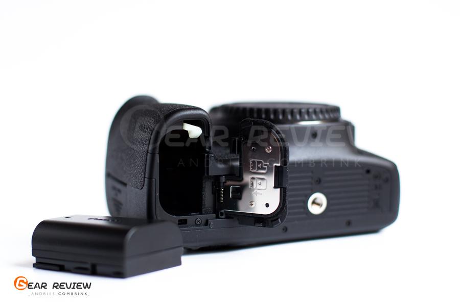 canon 6D Batt chamber
