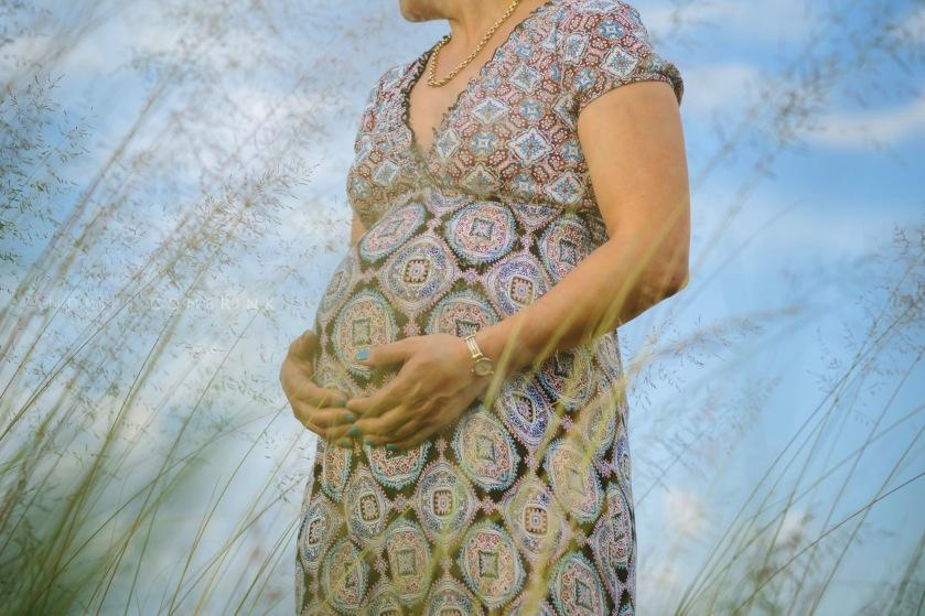 maternity+bump